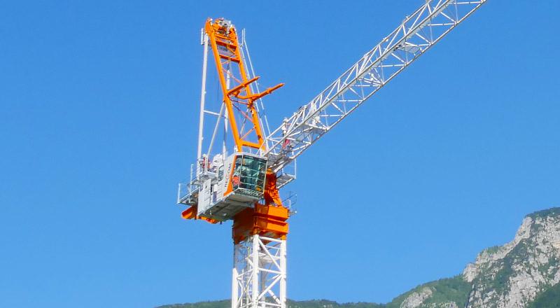 large tower crane luffing jib